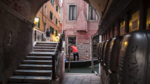 V Benátkách (večer)
