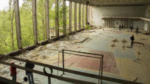 Sportovní hala v Pripjati, na dohled z lunaparku