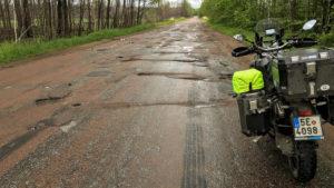 Silnice na Ukrajině někdy jsou a někdy zas ne