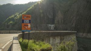 Přehrada Vidraru na silnici Transfagarašan
