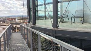 Prosklená vyhlídka Bolt tower.