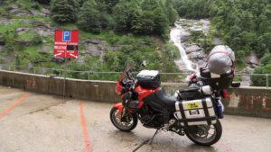 Blízko hraničního přechodu Itálie/Švýcarsko u městečka Tirano