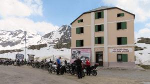 ...v passo Gavia je jedna vrcholových prémií závodu Giro d'Italia
