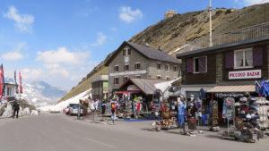 Prodej suvenýrů v passo Stelvio