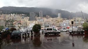 V Monacu