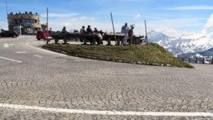Kostkovaná cesta na vrchol Edelwisspitze
