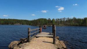Samoobslužný vor přes jezero