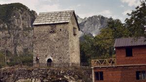 Kulla - kamenná věž v Théthu, věž, která sloužila jako úkryt vrahů