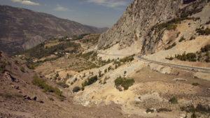 Už po několikáté přejíždíme ze západu na východ Albánie