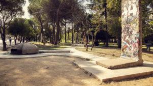 Památník komunistických časů v Tiraně