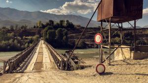 Most přes řeku Černý Drin u obce Fushe Muhurr
