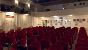 Divadelní sál s lóžemi v bunkru