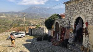 Ve staré části města Berat