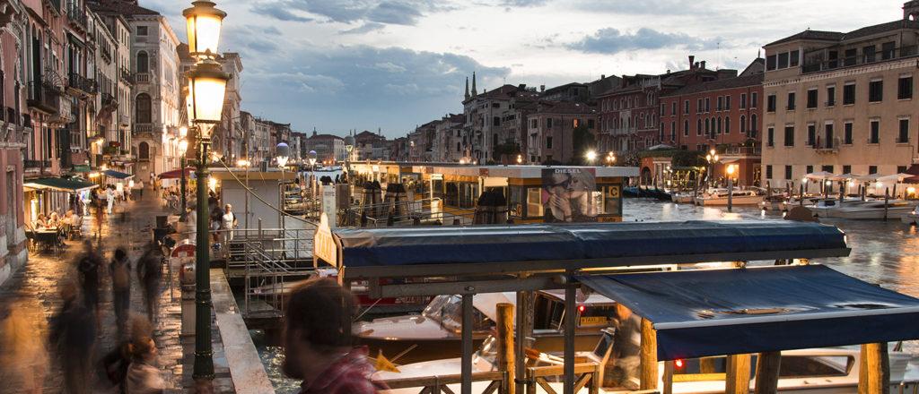 Večerní a ranní Venezia, cestopis