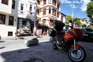 Takto jsme parkovali motorku v Istanbulu