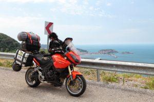 Na břehu Černého moře, u silnice D010