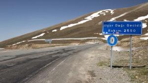 Projel jsem tímto druhým nejvyšším bodem na mé cestě Tureckem a odtud jsem už sjel k hraničnímu přechodu s Gruzií