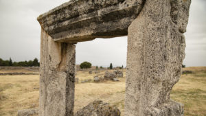 Fragmenty budov v Pamukkale