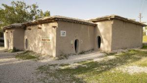 Replika obydlí v Catalhöyük, které byla postavena na základě zjištěných informací z vykopávek