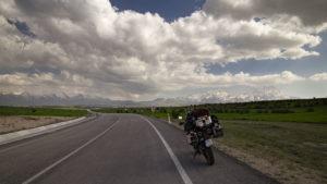 Celou cestu do Kappadoki čněla nad krajinou vyhaslá sopka Hasan Dagi