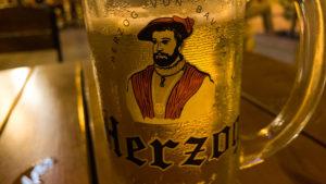 V restauraci hotelu ve Tbilisi měli celkem dobré pivo. Před spaním vždy jedno, dvě přišla vhod :-)
