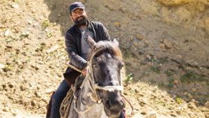 Při čekání na jedno ze stád krav, jsem si vyfotil honáky na koních. Obecně se Azerbájdžánci doslova chtěli fotit. Na rozdíl od Rusů.