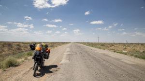 Já myslím, že jedno velké nic odpovídá věcem na obrázku! Pokud tedy nepočítám motorku!