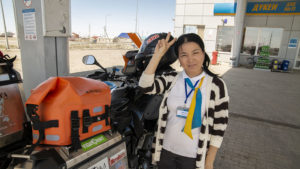 V Kazachstánu na pumpě za mnou přišla holka z obsluhy a ptala se mě, jestli nemám tabletku od bolení zubů. Dal jsem ji tedy Brufen.