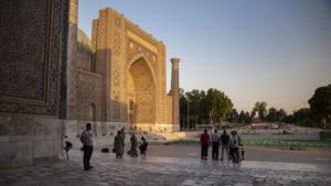 Fotografie z náměstí Registan v Samarkandu (Sherdor madrasa). Toto místo je bezesporu kouzelné!